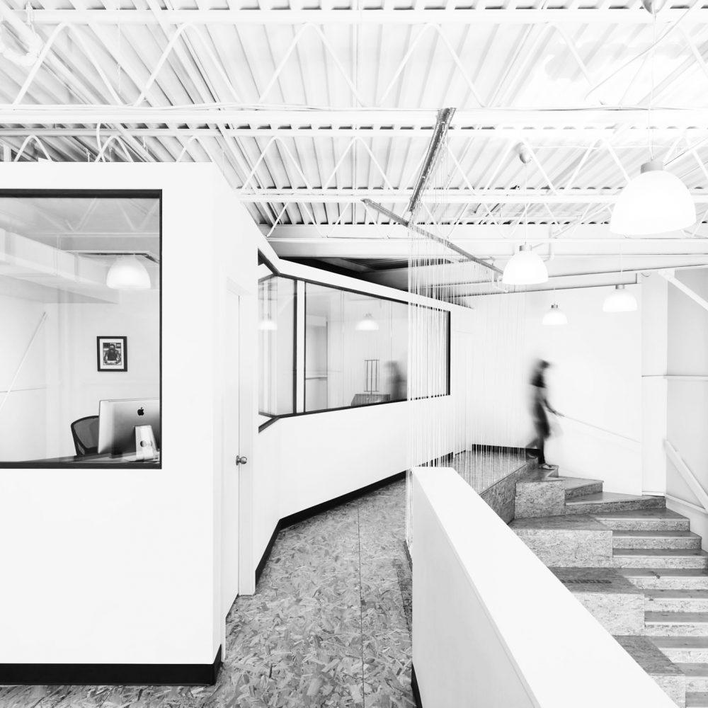 architecture bureaux lumineux escaliers