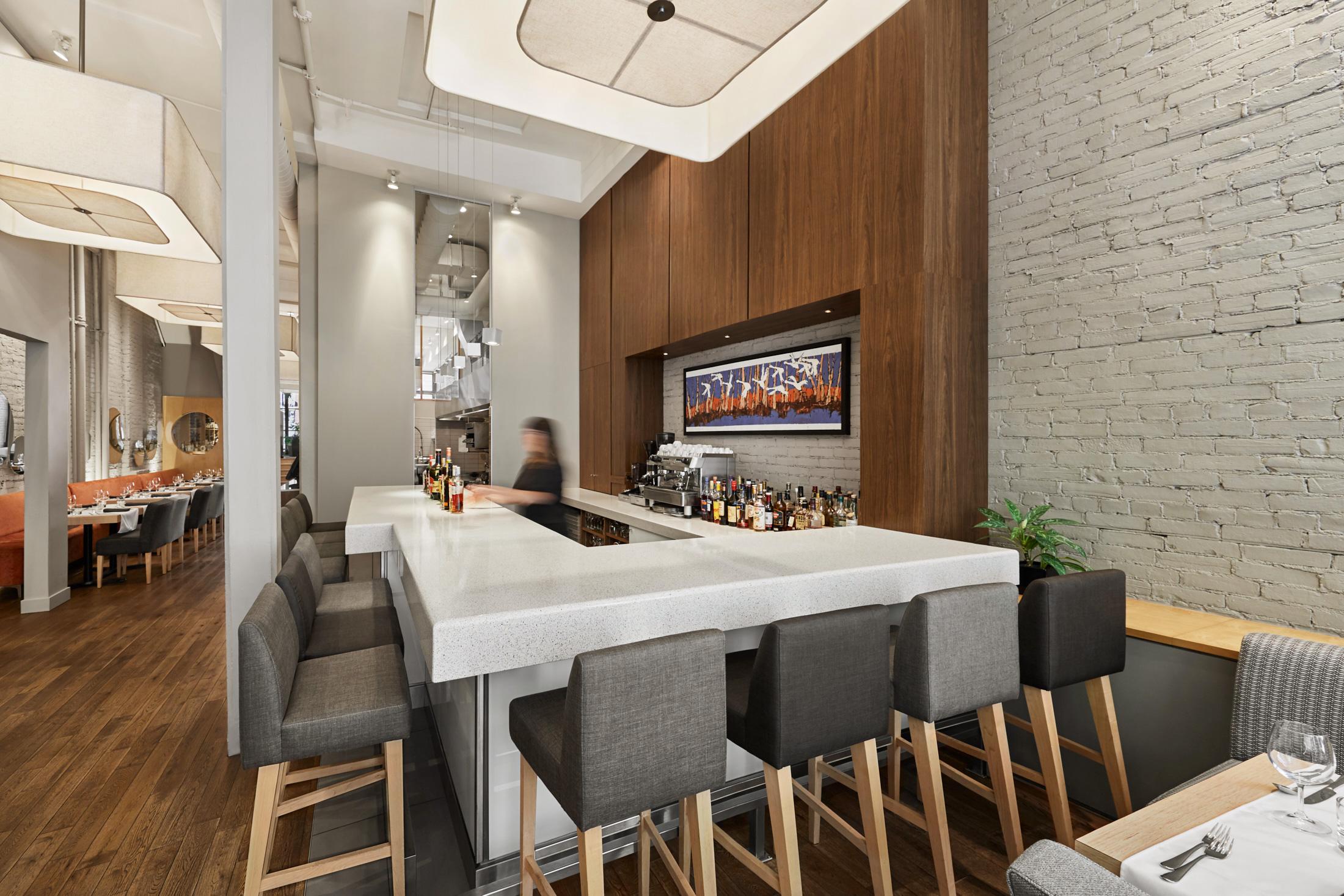 interieur restaurant comptoir bar