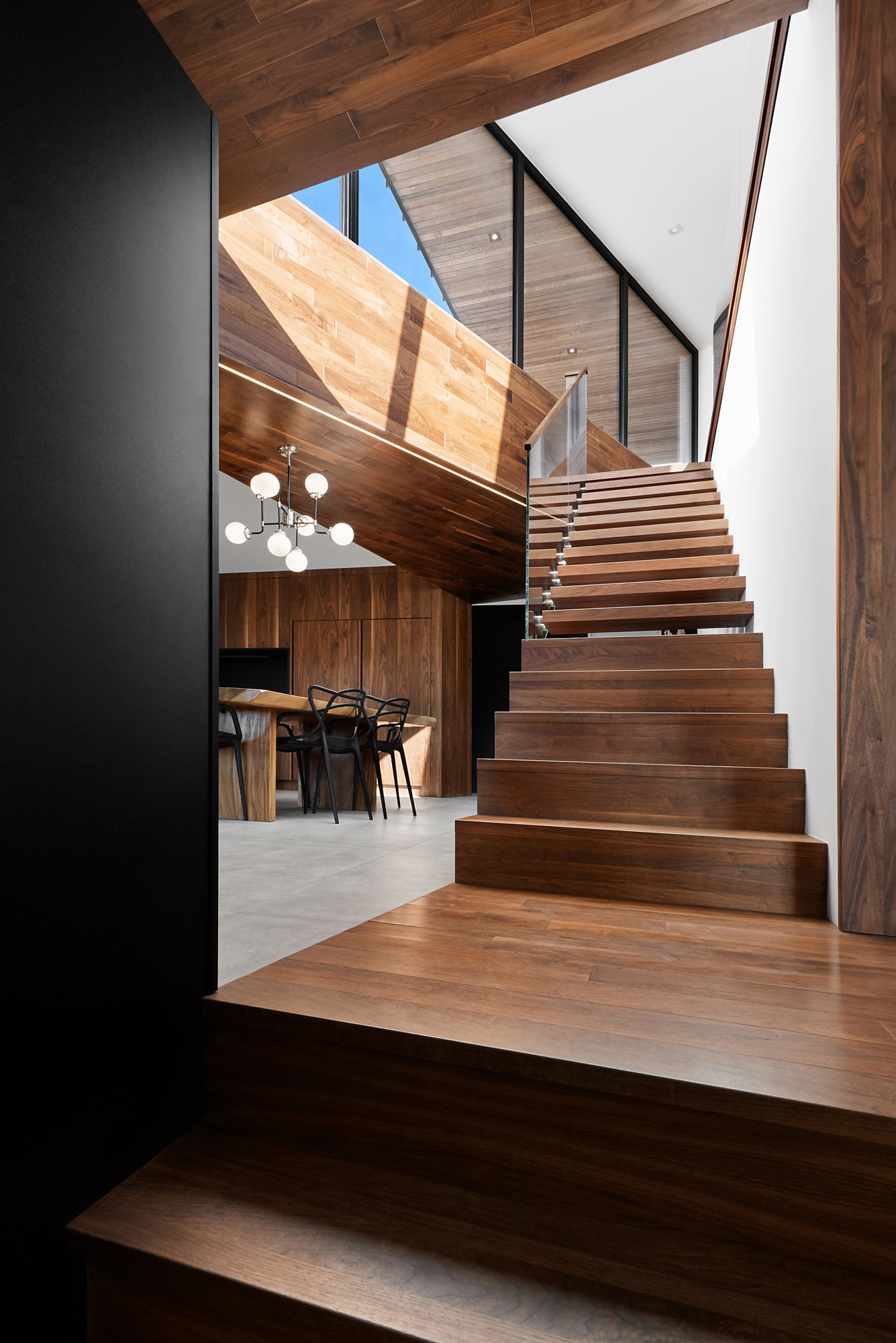 escalier mezzanine noyer fenetres