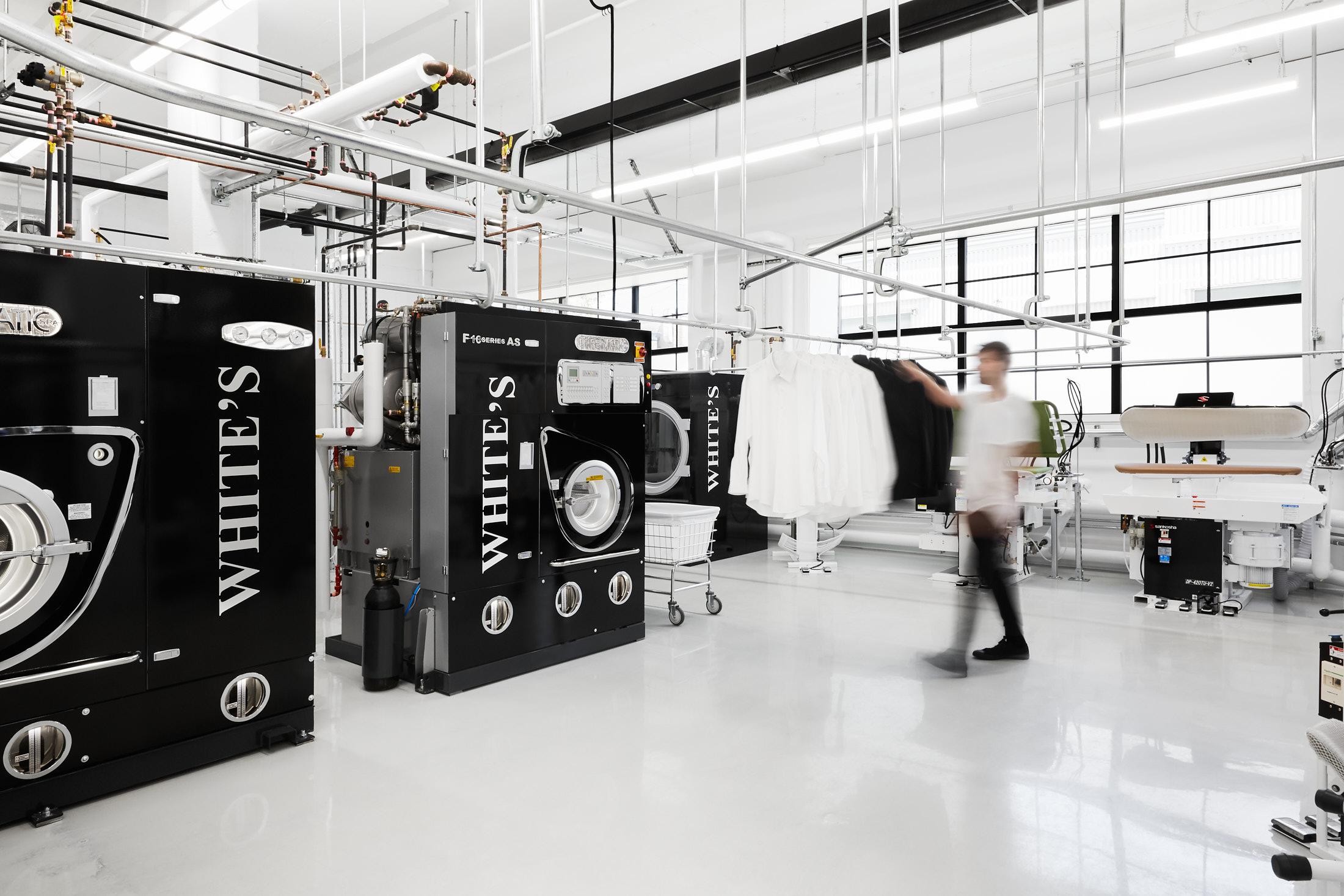 usine nettoyeur vetements machines